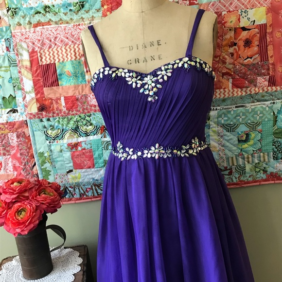 Deb Dresses & Skirts - Deb formal gown.